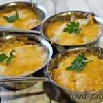 Жульен с курицей и грибами с фото – пошаговый рецепт популярного блюда.