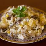Аппетитное куриное блюдо –салат с курицей и ананасами