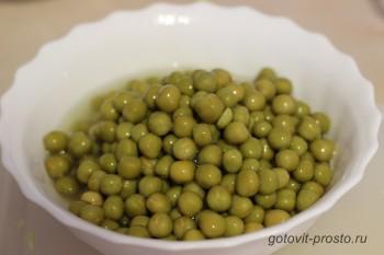 Салат с зеленым горошком консервированным  рецепт приготовления