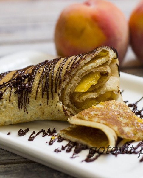 Блины с фруктами: простые продукты - необычное исполнение