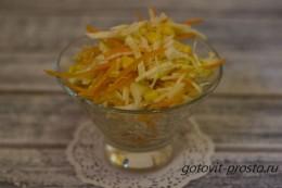 Заряд витаминов – рецепт салата с морковью и яблоком